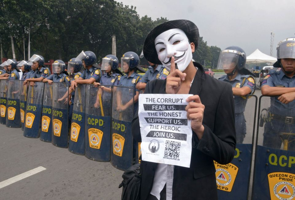 PHILIPPINES-POLITICS-INTERNET-PROTEST-HACKING